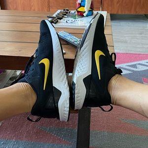 Nike React Oddisey 2- black & gold